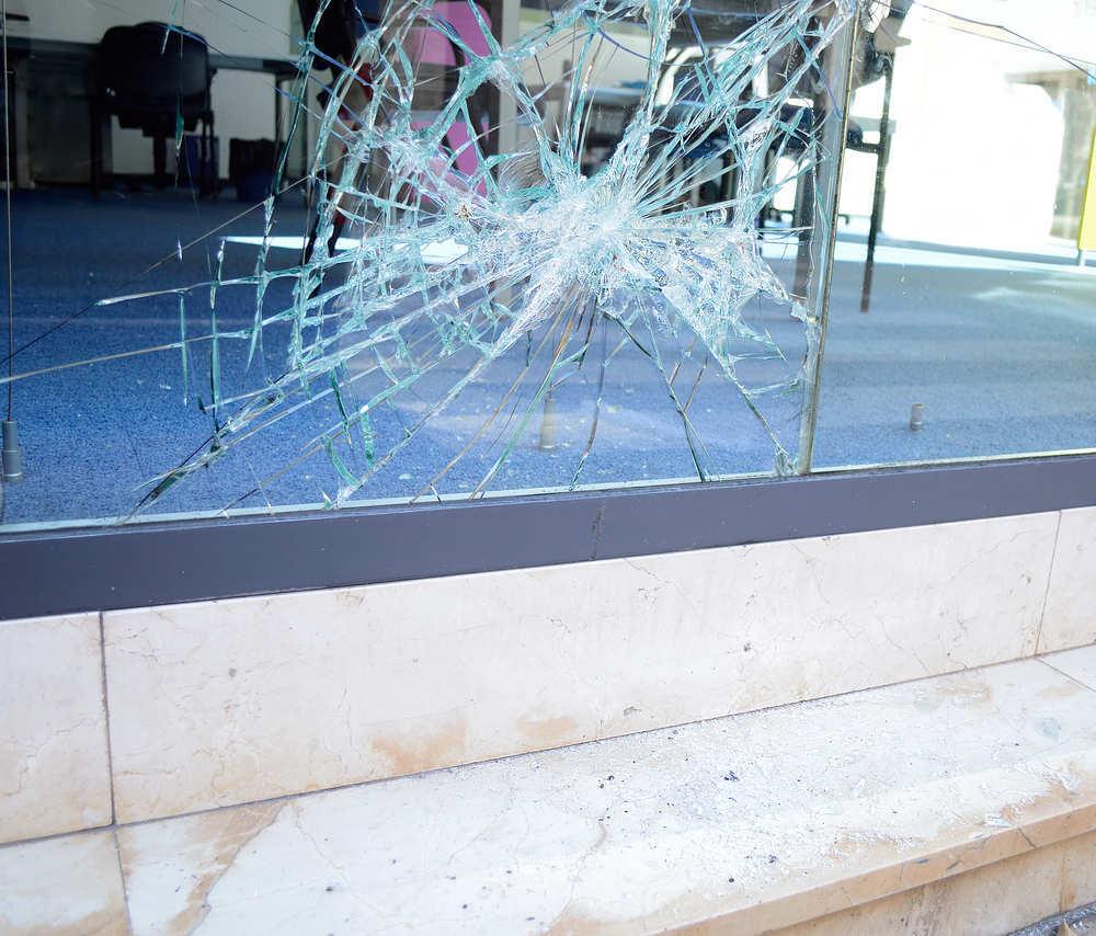 Qué hacer cuando un trabajador provoca daños en las zonas comunes