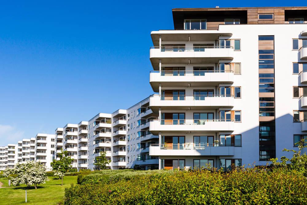 Dar salida al stock de vivienda nueva en España