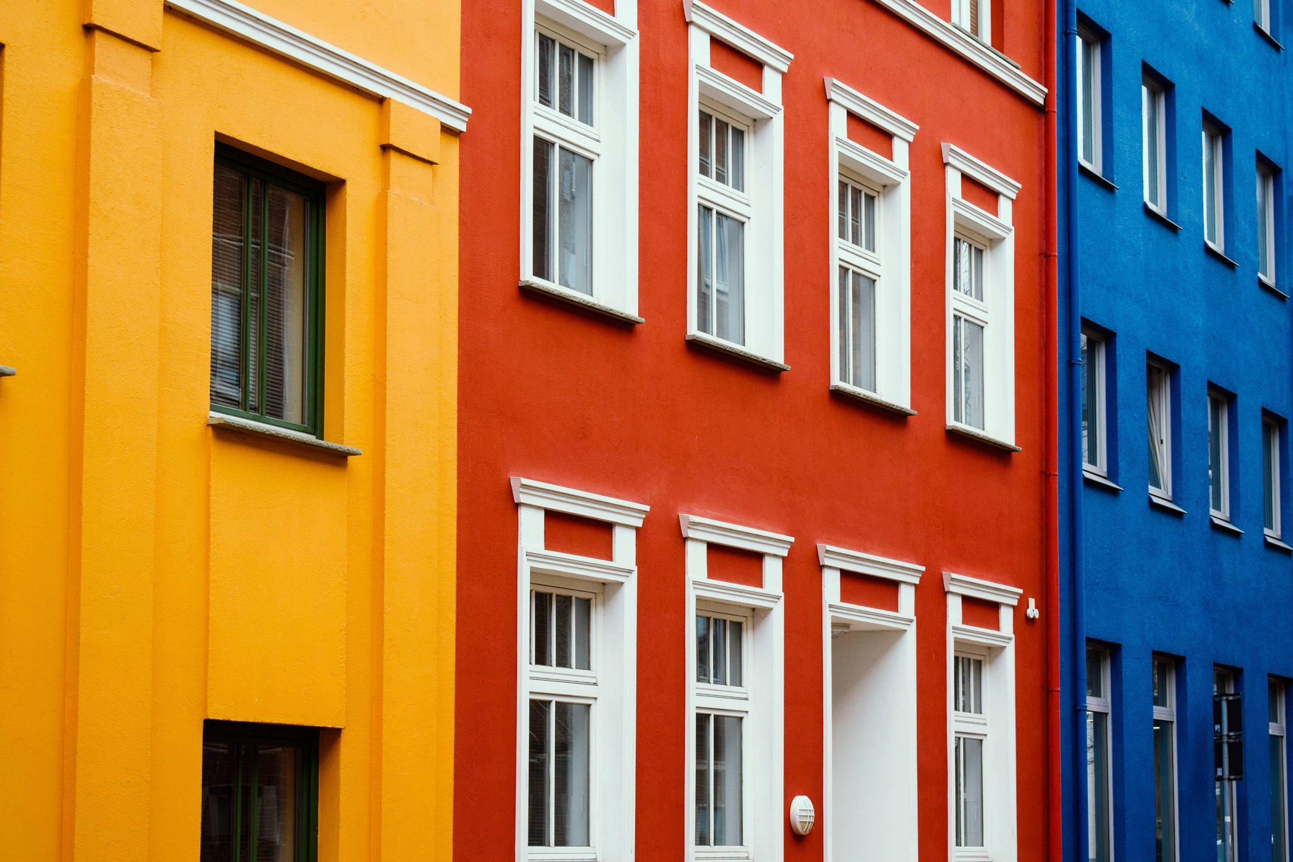 Cómo elegir los colores para pintar la fachada de tu casa
